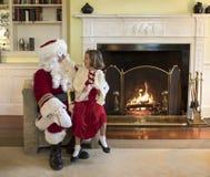 Μικρό κορίτσι με Άγιο Βασίλη στοκ φωτογραφίες με δικαίωμα ελεύθερης χρήσης