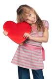 Μικρό κορίτσι με την κόκκινη καρδιά Στοκ φωτογραφίες με δικαίωμα ελεύθερης χρήσης
