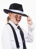 Μικρό κορίτσι με την τοποθέτηση καπέλων ως γκάγκστερ Στοκ φωτογραφία με δικαίωμα ελεύθερης χρήσης