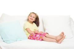 Μικρό κορίτσι στο σπορείο Στοκ φωτογραφίες με δικαίωμα ελεύθερης χρήσης