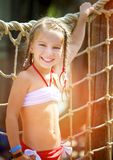 Μικρό κορίτσι στο aquapark Στοκ φωτογραφίες με δικαίωμα ελεύθερης χρήσης