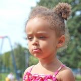 Μικρό κορίτσι της μικτής κληρονομιάς Στοκ φωτογραφίες με δικαίωμα ελεύθερης χρήσης