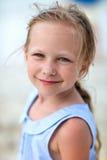 Μικρό κορίτσι υπαίθρια Στοκ Εικόνα