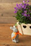 Μικρό κουνέλι λαγουδάκι διακοπών Πάσχας Στοκ Φωτογραφία