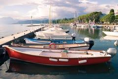 Μικρό λιμάνι στη λίμνη Garda, Ιταλία Στοκ Εικόνες
