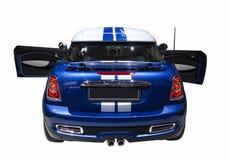 Μικρό μπλε σπορ αυτοκίνητο που απομονώνεται Στοκ φωτογραφίες με δικαίωμα ελεύθερης χρήσης