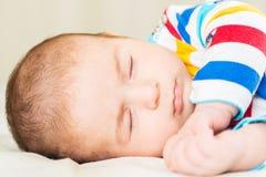 Μικρό μωρό στην έννοια παιδικής ηλικίας Στοκ εικόνα με δικαίωμα ελεύθερης χρήσης