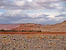 Μικρό ορεινό χωριό στα βουνά ατλάντων, Μαρόκο στοκ φωτογραφίες με δικαίωμα ελεύθερης χρήσης