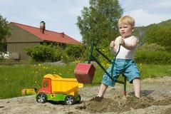 μικρό παιδί κατασκευής Στοκ Εικόνες