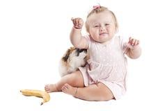 Μικρό παιδί με ένα σκυλί Στοκ Φωτογραφίες