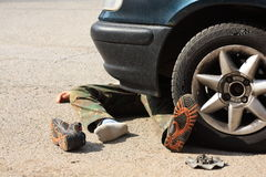 Μικρό παιδί ατυχήματος με ένα επιβατικό αυτοκίνητο Στοκ Φωτογραφίες