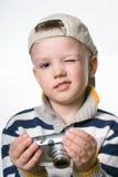 Μικρό παιδί με την ψηφιακή κάμερα φωτογραφιών στοκ φωτογραφία με δικαίωμα ελεύθερης χρήσης