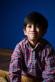 Μικρό παιδί που κάνει τα αστεία πρόσωπα Στοκ εικόνα με δικαίωμα ελεύθερης χρήσης