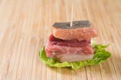 Μικρό σάντουιτς κρέατος Στοκ Εικόνες