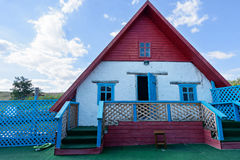 Μικρό σπίτι από τον άργιλο, παραδοσιακό κτήριο Στοκ Φωτογραφία