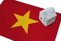 Μικρό σπίτι σε μια σημαία - Βιετνάμ Στοκ φωτογραφία με δικαίωμα ελεύθερης χρήσης