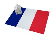 Μικρό σπίτι σε μια σημαία - Γαλλία Στοκ Φωτογραφία