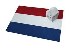 Μικρό σπίτι σε μια σημαία - Κάτω Χώρες Στοκ εικόνες με δικαίωμα ελεύθερης χρήσης