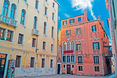 Μικρό τετράγωνο στη Βενετία στοκ φωτογραφία με δικαίωμα ελεύθερης χρήσης