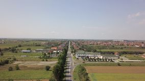 Μικρό χωριό της Κροατίας Cepin από τον αέρα απόθεμα βίντεο