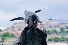 Μικρό statuette πριγκηπισσών στη Βουδαπέστη, Ουγγαρία στοκ φωτογραφίες με δικαίωμα ελεύθερης χρήσης