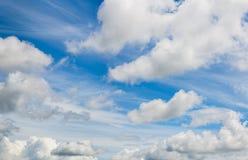 Μικτά σύννεφα skyscape Στοκ Φωτογραφία