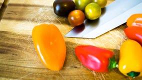 Μικτές πάπρικα και ντομάτες Στοκ φωτογραφία με δικαίωμα ελεύθερης χρήσης