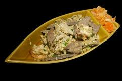 Μικτή μπριζόλα κρέατος με Kimchi στη πιατέλα μορφής βαρκών Στοκ Φωτογραφίες