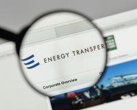 Μιλάνο, Ιταλία - 10 Αυγούστου 2017: Λογότυπο δικαιοσύνης ενεργειακής μεταφοράς στο τ Στοκ Φωτογραφίες