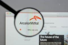 Μιλάνο, Ιταλία - 10 Αυγούστου 2017: Λογότυπο Mittal Arcelor στο websi Στοκ Εικόνα