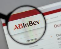 Μιλάνο, Ιταλία - 10 Αυγούστου 2017: ABinBEv, Anheuser Busch στη Bev λ Στοκ φωτογραφία με δικαίωμα ελεύθερης χρήσης