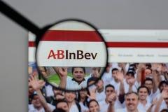 Μιλάνο, Ιταλία - 10 Αυγούστου 2017: ABinBEv, Anheuser Busch στη Bev λ Στοκ Φωτογραφίες