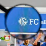 Μιλάνο, Ιταλία - 10 Αυγούστου 2017: FC Schalke 04 λογότυπο στο websit Στοκ φωτογραφίες με δικαίωμα ελεύθερης χρήσης