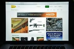 Μιλάνο, Ιταλία - 10 Αυγούστου 2017: Gunbroker αρχική σελίδα ιστοχώρου COM Στοκ φωτογραφίες με δικαίωμα ελεύθερης χρήσης