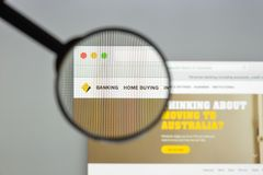 Μιλάνο, Ιταλία - 10 Αυγούστου 2017: Homepa ιστοχώρου τραπεζών Κοινοπολιτείας Στοκ εικόνες με δικαίωμα ελεύθερης χρήσης