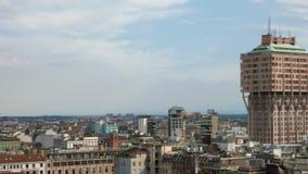 Μιλάνο, Ιταλία: Πυροβοληθείσα πανόραμα πανοραμική άποψη πύργων Torre Velasca απόθεμα βίντεο
