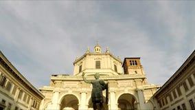 Μιλάνο Πλατεία Vetra Olmetto Colonne Di SAN Lorenzo απόθεμα βίντεο