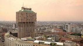 Μιλάνο/31-05-2018: Torre Velasca, εναέρια άποψη απόθεμα βίντεο