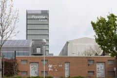 ΜΙΛΑΝΟ, ΙΤΑΛΙΑ - 17 Απριλίου: prysmian ουρανοξύστης ομάδας Στοκ Εικόνες