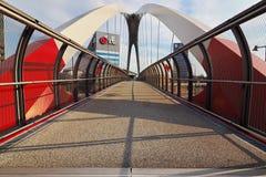 ΜΙΛΑΝΟ, ΙΤΑΛΙΑ - 19 ΑΥΓΟΎΣΤΟΥ 2017: Μιλάνο Λομβαρδία, Ιταλία: σύγχρονα γέφυρα και κτίρια γραφείων στη νέα περιοχή Portello Στοκ φωτογραφίες με δικαίωμα ελεύθερης χρήσης