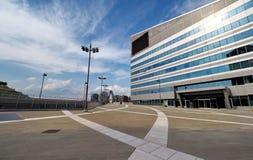 ΜΙΛΑΝΟ, ΙΤΑΛΙΑ - 19 ΑΥΓΟΎΣΤΟΥ 2017: Μιλάνο Λομβαρδία, Ιταλία: σύγχρονα τετράγωνο και κτίρια γραφείων στη νέα περιοχή Portello Στοκ Εικόνες