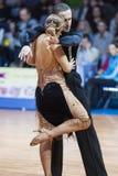 Μινσκ, 14.2015 λευκορωσικός-Φεβρουαρίου: Επαγγελματικό ζεύγος χορού του Κα Στοκ φωτογραφία με δικαίωμα ελεύθερης χρήσης
