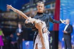 Μινσκ, 14.2015 λευκορωσικός-Φεβρουαρίου: Επαγγελματικό ζεύγος χορού Ko Στοκ Φωτογραφία