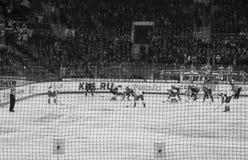 Μινσκ, Λευκορωσία, 09 01 2018 - αντιστοιχία Dinamo Μινσκ Λευκορωσία - Lokomotiv Yaroslavl Ρωσία χόκεϋ Στοκ Εικόνες