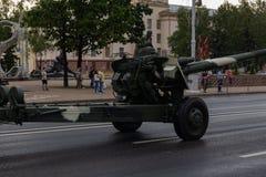 Μινσκ, Λευκορωσία - 1 Ιουλίου 2019: στρατιωτικός εξοπλισμός στο κέντρο πόλεων σε μια πρόβα για την παρέλαση της ημέρας της ανεξαρ στοκ εικόνες με δικαίωμα ελεύθερης χρήσης