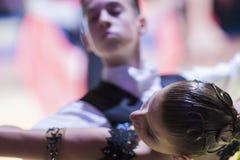 Μινσκ-Λευκορωσία, στις 18 Οκτωβρίου 2014: Μη αναγνωρισμένο ζεύγος Perfo χορού Στοκ φωτογραφία με δικαίωμα ελεύθερης χρήσης