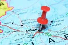 Μινσκ που καρφώνεται σε έναν χάρτη της Ευρώπης Στοκ Εικόνα