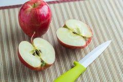 μισά δύο μήλων Στοκ Εικόνα