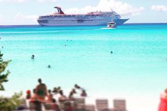 Μισή κοραλλιογενής νήσος φεγγαριών, Μπαχάμες στοκ φωτογραφία