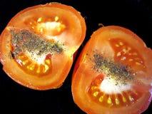 μισή ντομάτα πιπεριών στοκ εικόνα με δικαίωμα ελεύθερης χρήσης